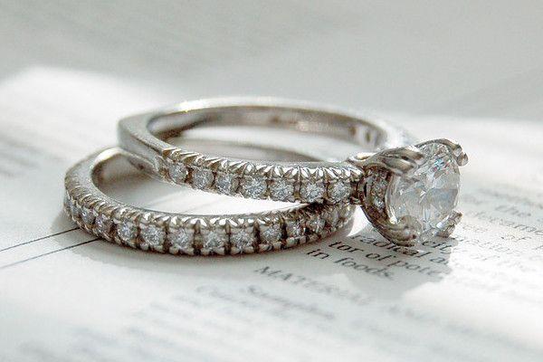 Pierścionek Zaręczynowy Co Symbolizuje Jak Wybrać Ten Odpowiedni