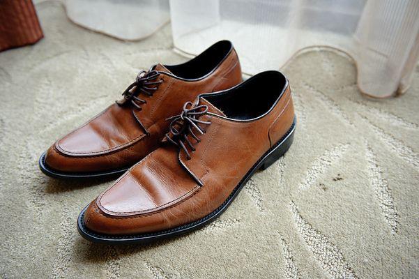 c90912bb8bab0 Zarówno buty jak i skarpetki powinny być dobrana kolorystycznie do spodni
