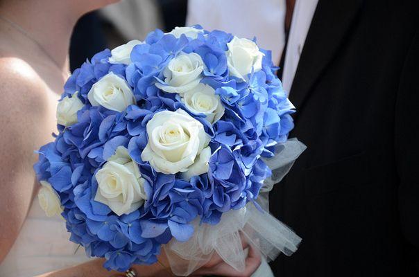 Niebieskie Kwiaty W Wiązance ślubnej Jakie Gatunki Kwiatów